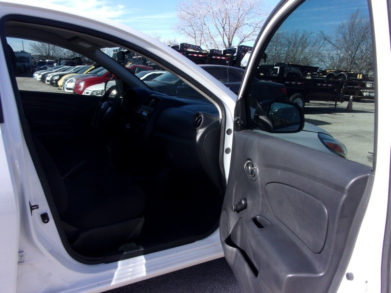 Nissan Versa 2015 price $8,995