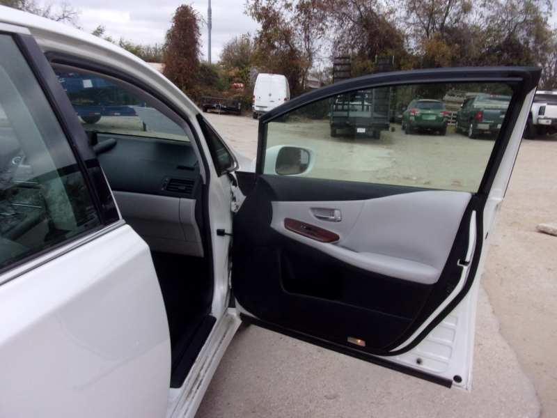 Lexus HS 250h 2010 price $16,995