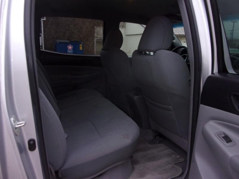 Toyota Tacoma 2011 price $21,995