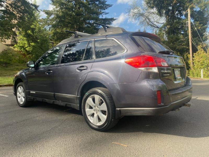Subaru Outback 2010 price $11,495