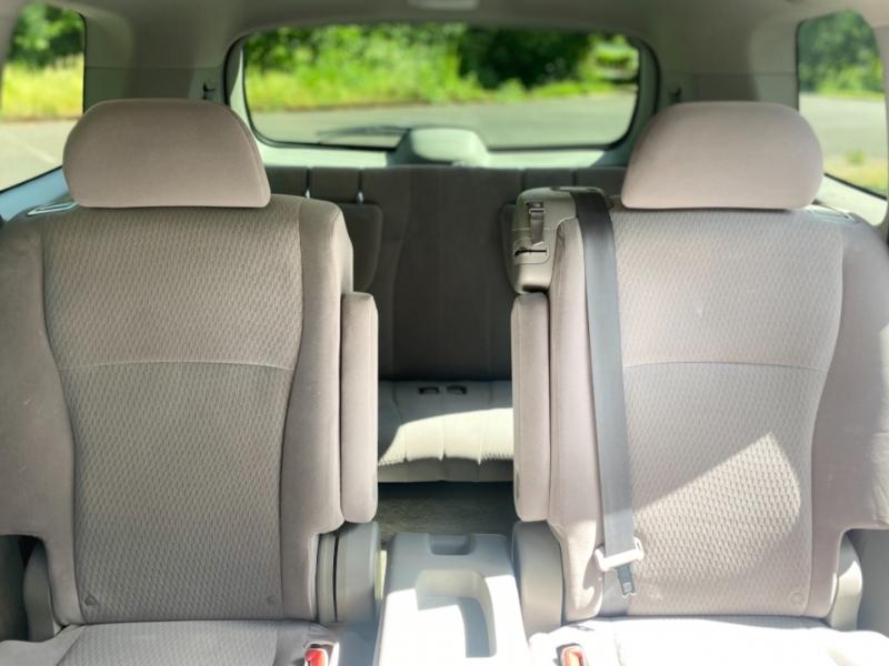Toyota Highlander 2010 price $14,495