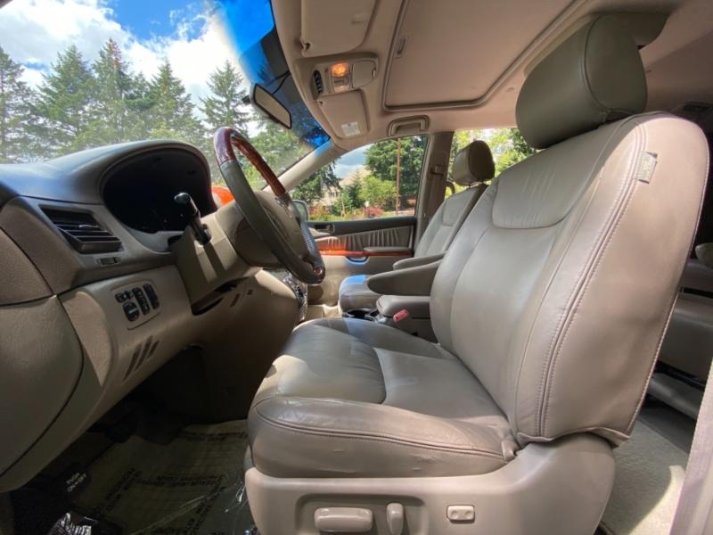Toyota Sienna 2008 price $13,495