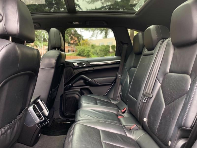 Porsche Cayenne 2011 price $22,495