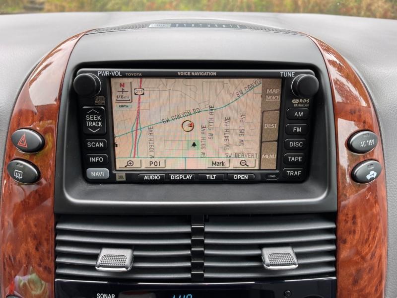 Toyota Sienna 2004 price $11,495