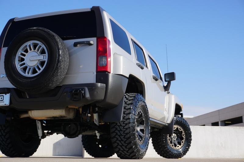 Hummer H3 2008 price $17,998