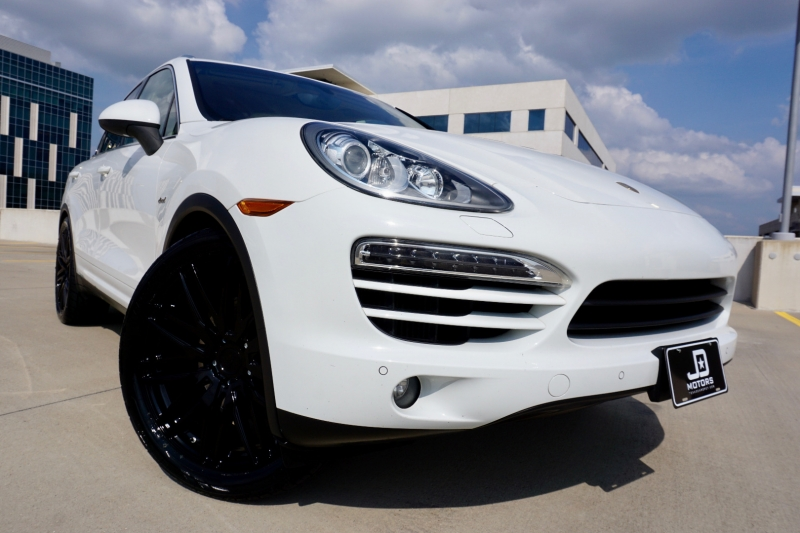 Porsche Cayenne Diesel 2013 price $27,998