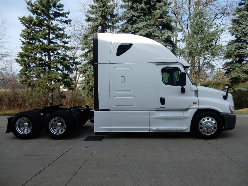 Freightliner CASCADIA 2017 price $55,900