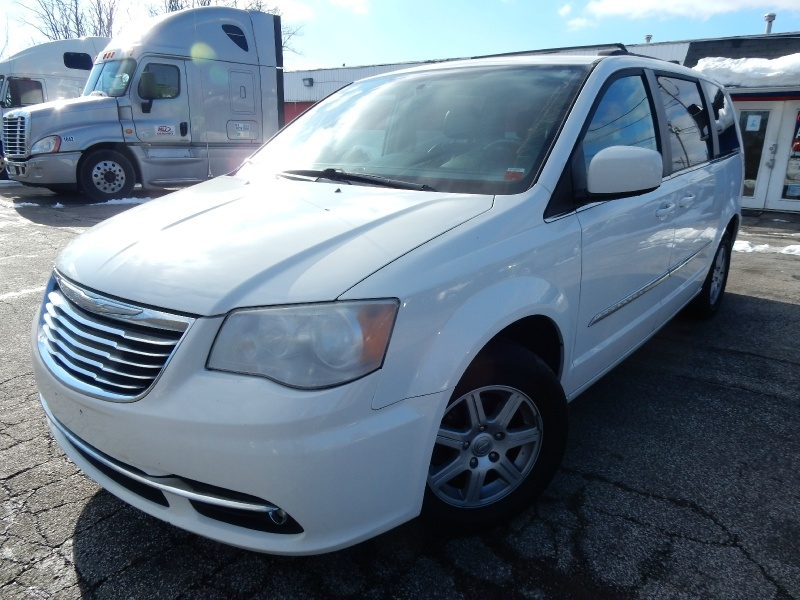 Chrysler Town & Country 2012 price SOLD