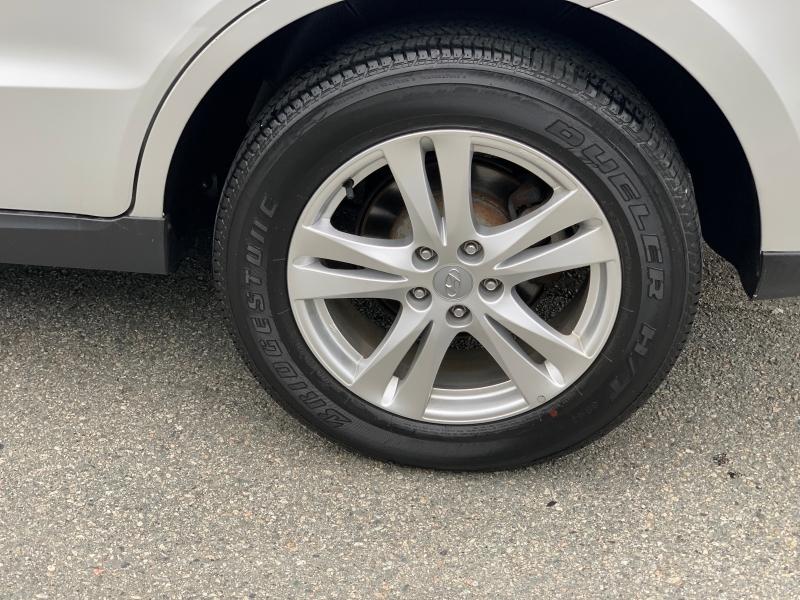 Hyundai Santa Fe 2012 price $12,895