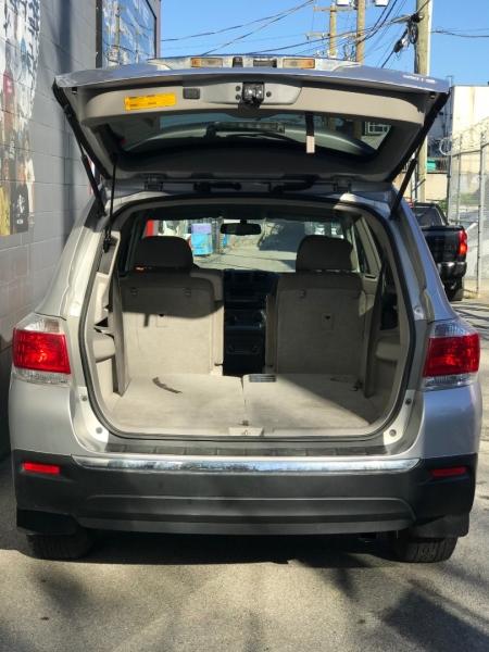 Toyota Highlander 2012 price $16,895