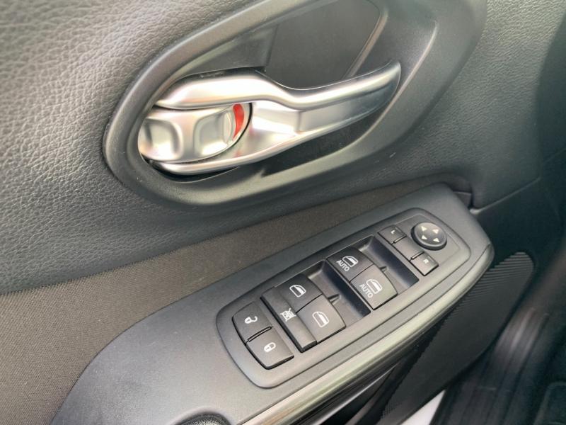 Jeep Cherokee 2016 price $22,895
