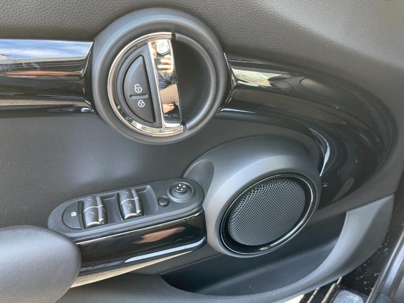 Mini Cooper S 2017 price $22,895