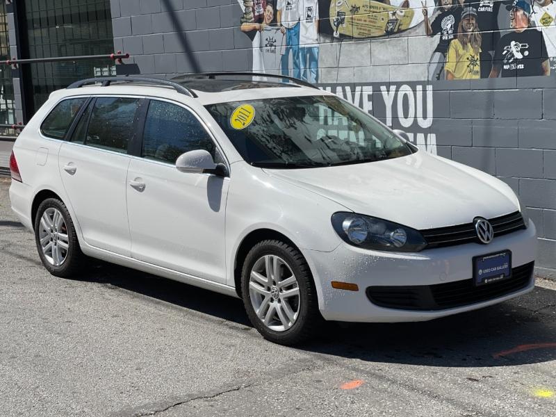 Volkswagen Golf SportWagen 2011 price $8,895