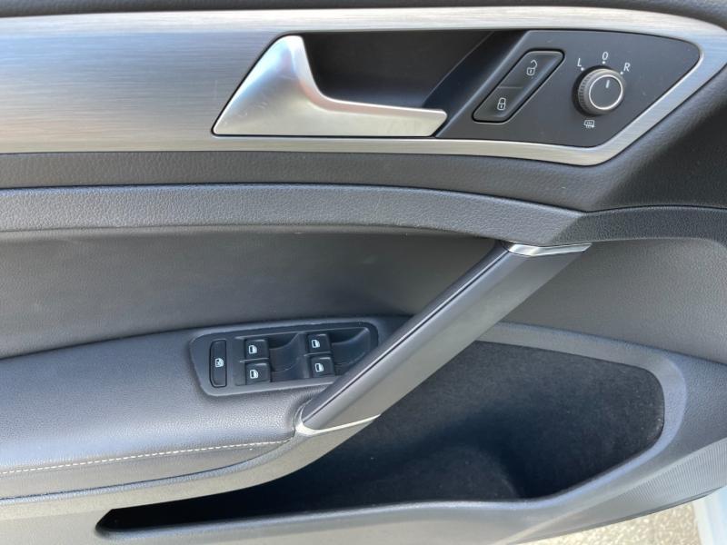 Volkswagen Golf 2015 price $15,895