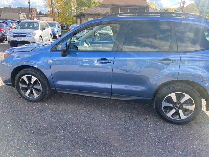 Subaru Forester 2017 price $18,900