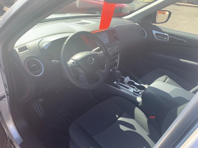 Nissan Pathfinder 2020 price $27,999