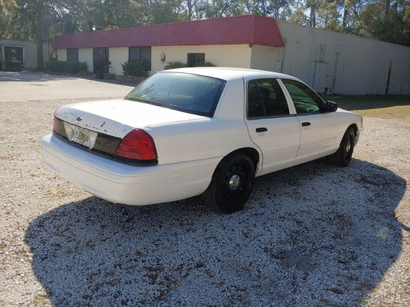 Ford CROWN VICTORIA 2011 price $4,950