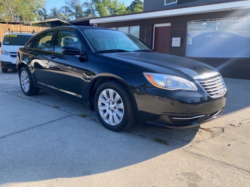 CHRYSLER 200 2014 price $8,900