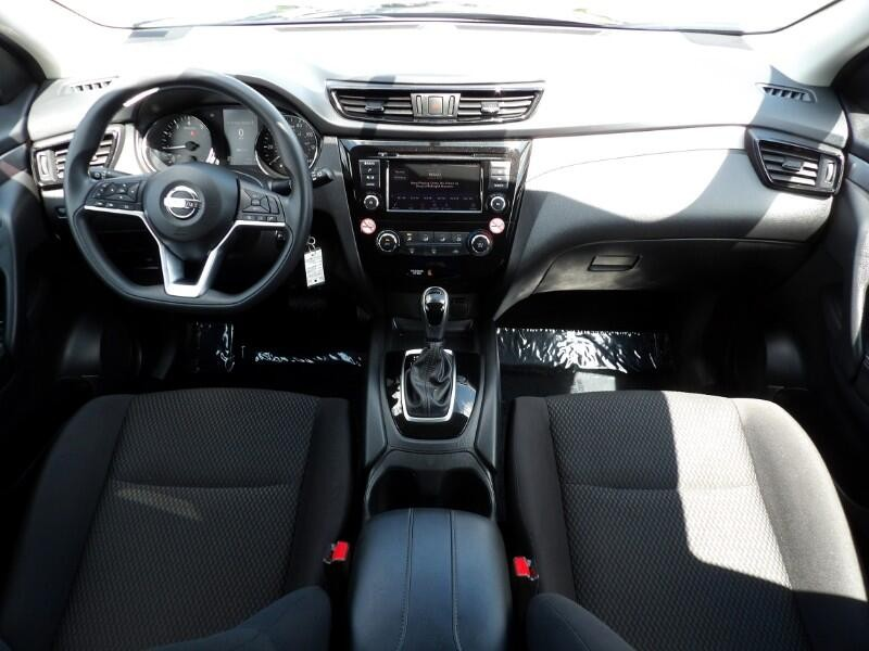 Nissan Rogue Sport 2019 price $21,995