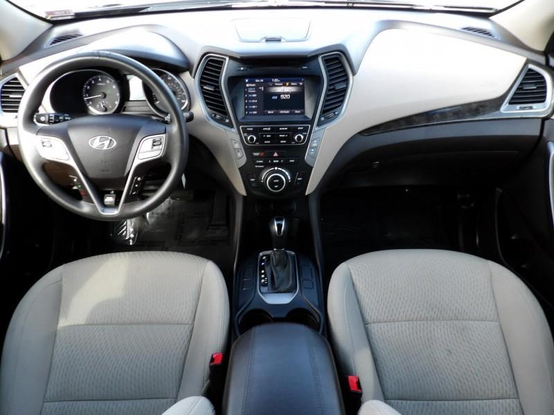 Hyundai Santa Fe 2017 price $1,218