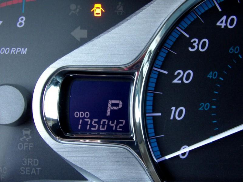 Toyota Sienna 2011 price $1,496