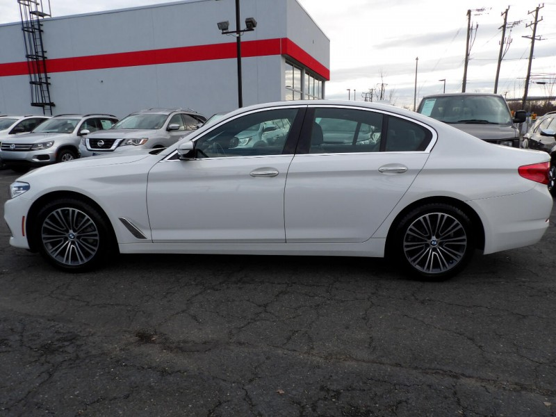 BMW 5-Series 2018 price $1,494