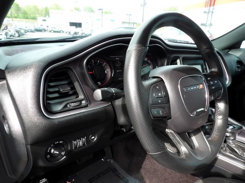 Dodge Challenger 2017 price $1,323