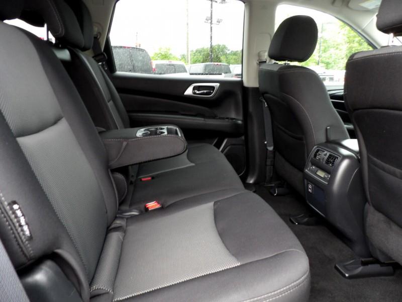 Nissan Pathfinder 2018 price $1,322