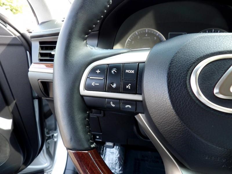 Lexus ES 350 2017 price $1,426