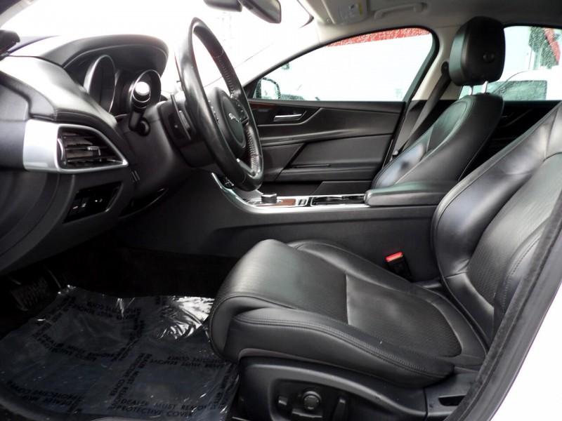 Jaguar XE 2017 price $1,524