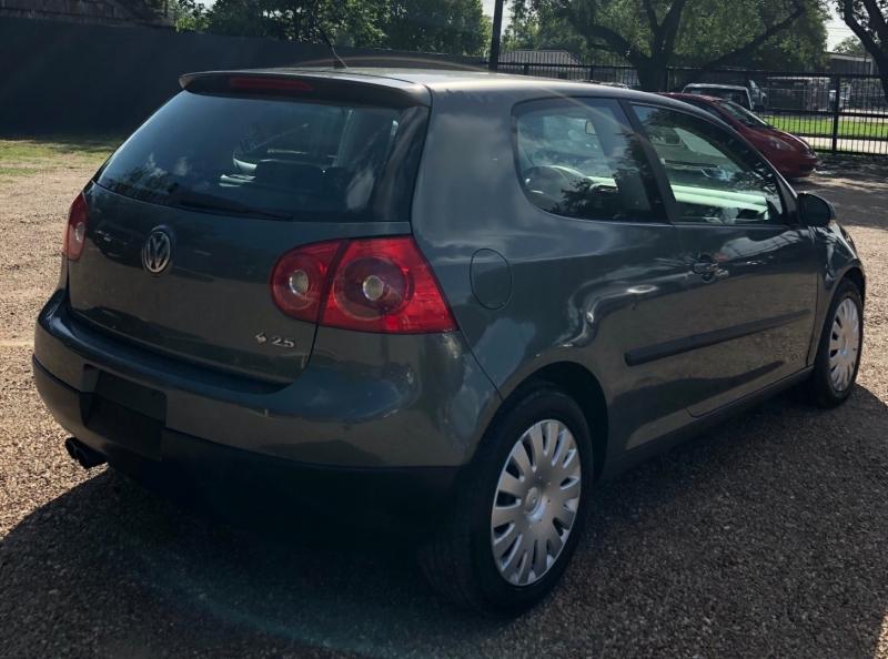 Volkswagen Rabbit 2007 price $4,995 Cash