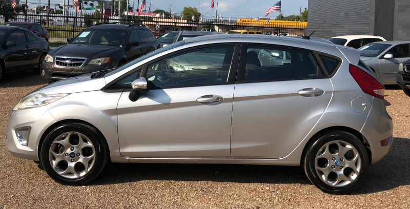 Ford Fiesta 2012 price $3,995 Cash