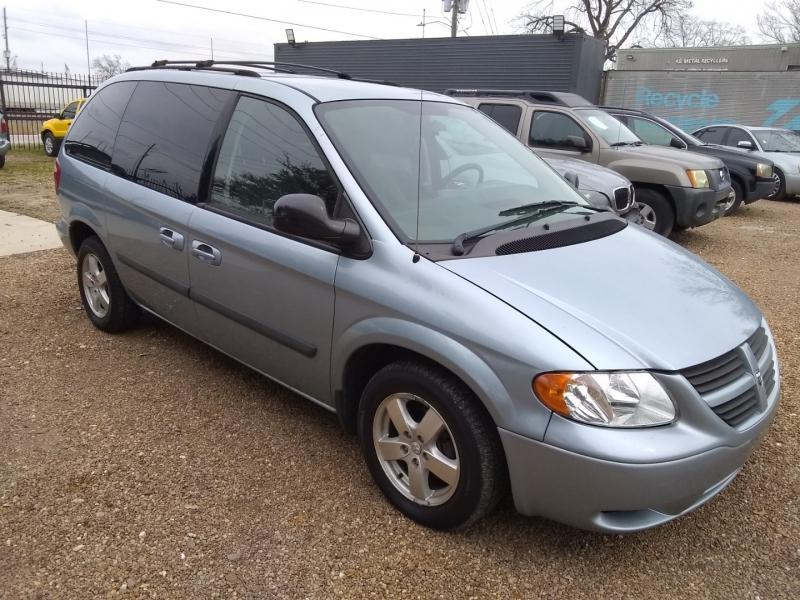 Dodge Caravan 2006 price $2,999 Cash