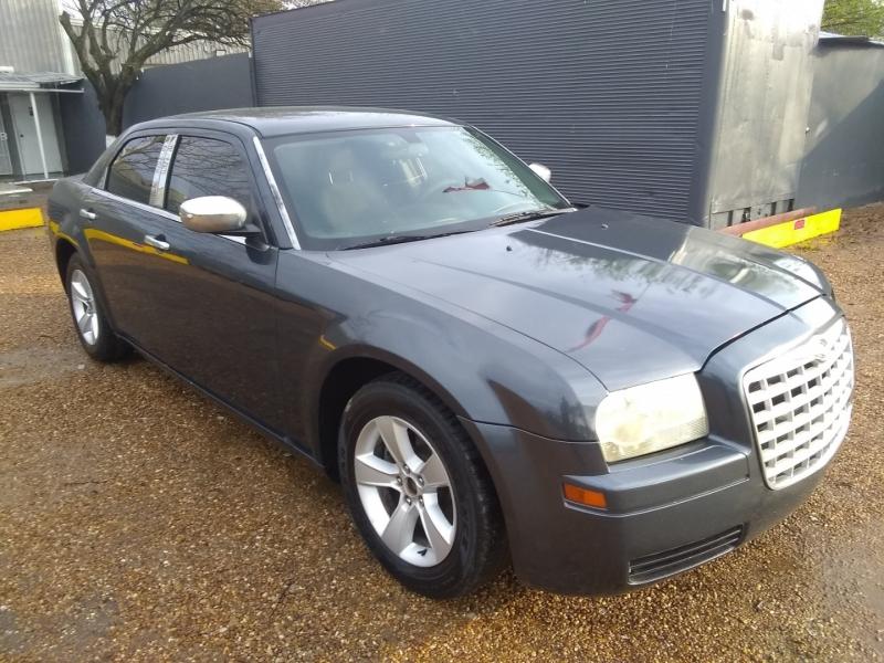 Chrysler 300 2007 price $3,999 Cash
