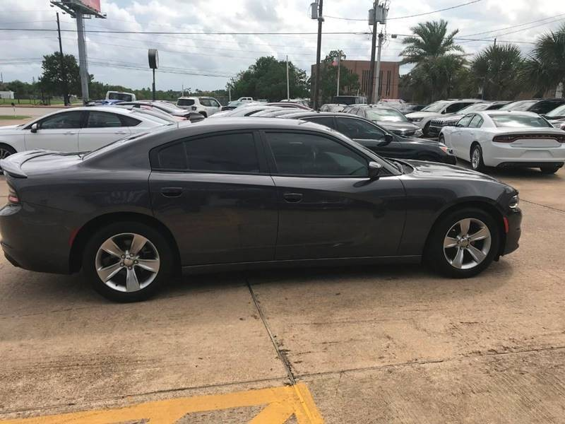 Dodge Charger 2016 price $16,900