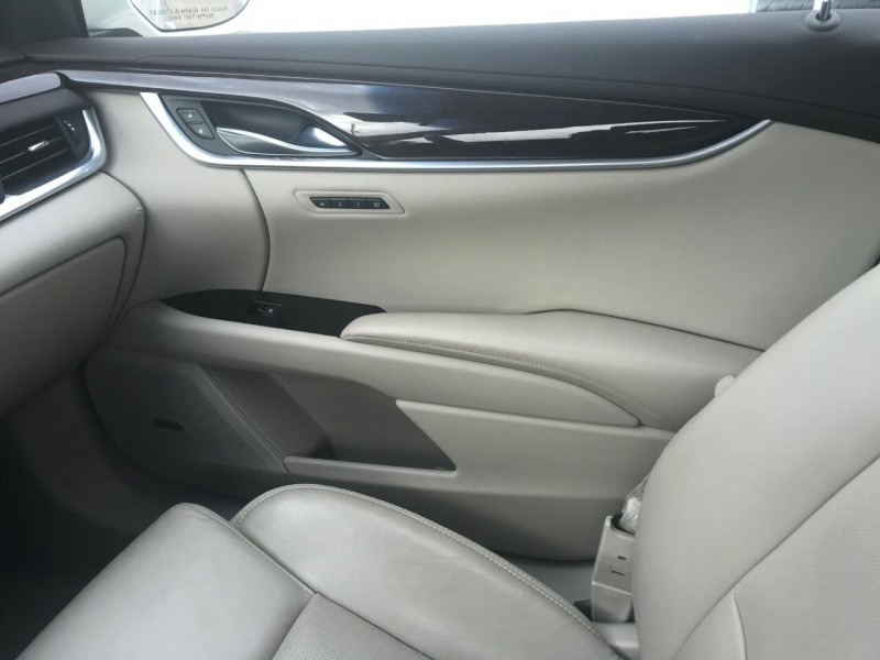 Cadillac XTS 2015 price $19,999