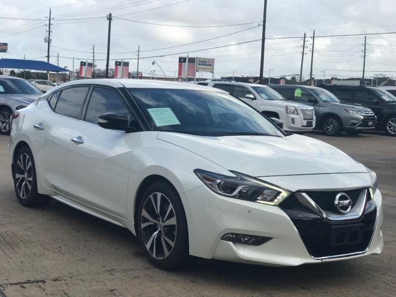 Nissan Maxima 2017 price $22,000