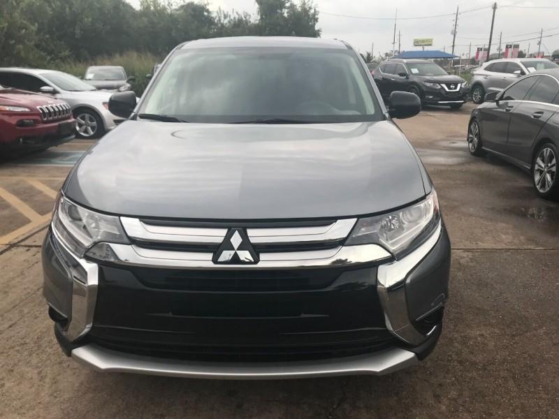 Mitsubishi Outlander 2018 price $16,900