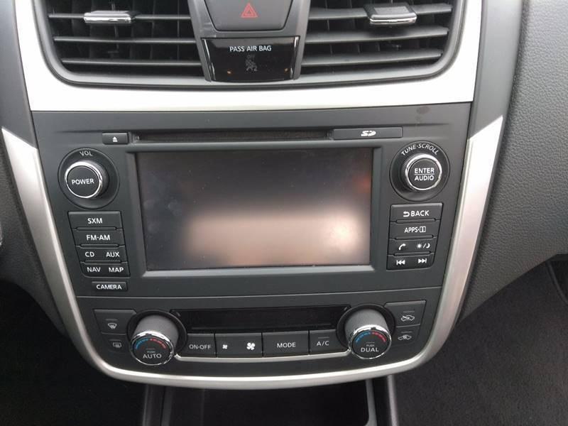 Nissan Altima 2017 price $16,900