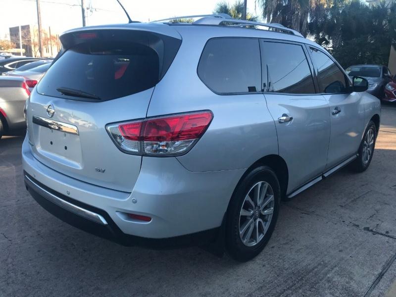 Nissan Pathfinder 2014 price $16,900