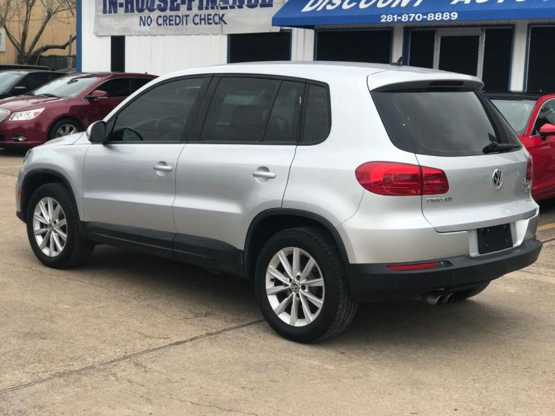 Volkswagen Tiguan 2017 price $17,900