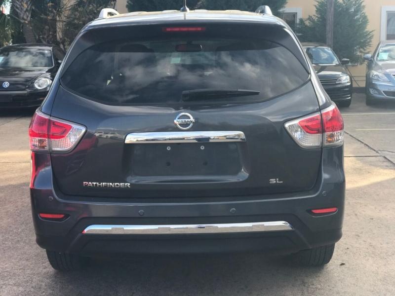 Nissan Pathfinder 2013 price $16,900