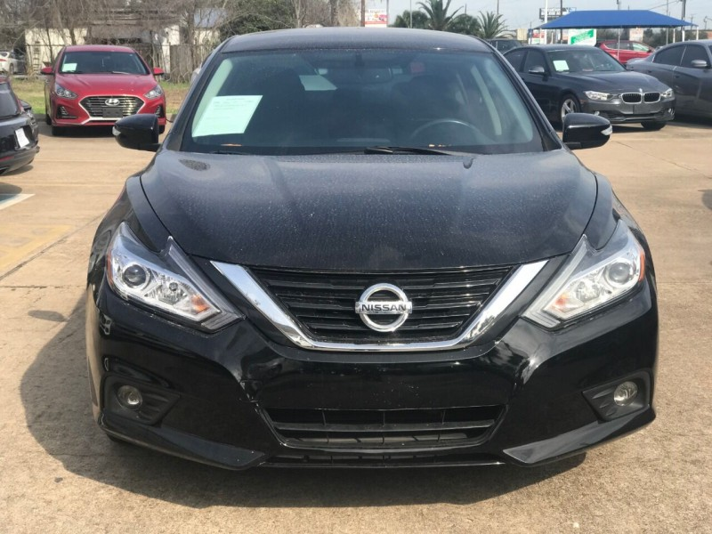 Nissan Altima 2017 price $17,995