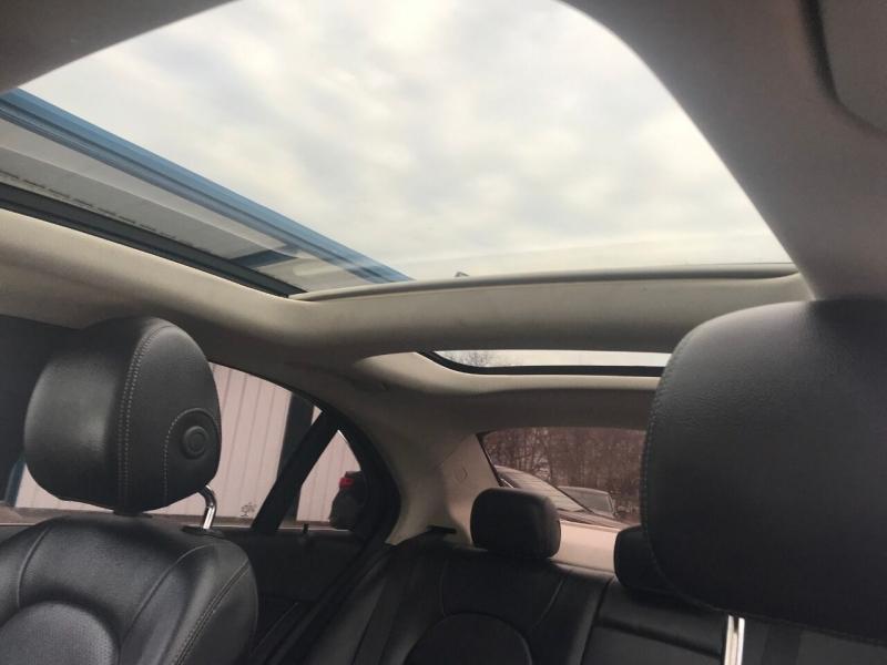 Mercedes-Benz C-Class 2016 price $21,900