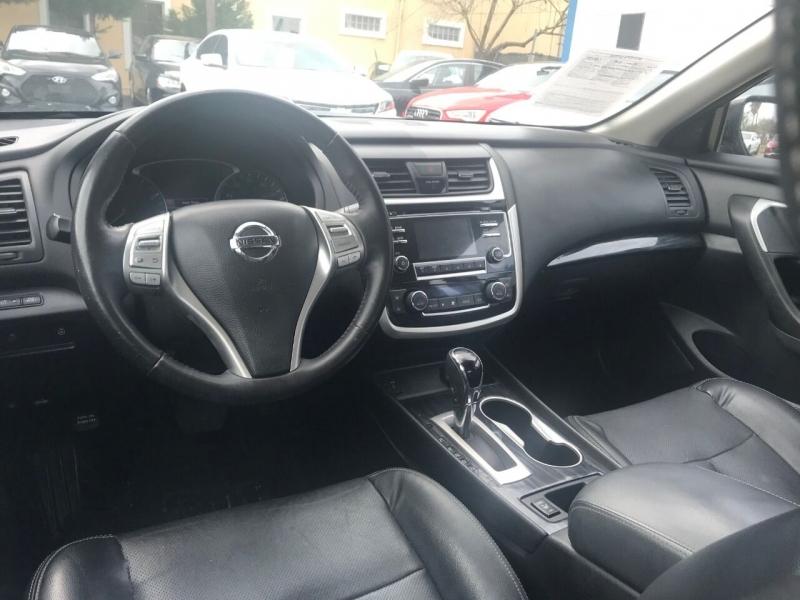 Nissan Altima 2018 price $17,900