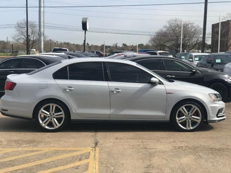 Volkswagen Jetta 2017 price $15,900