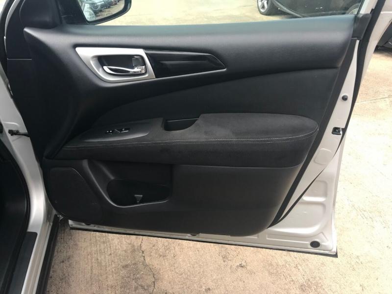 Nissan Pathfinder 2016 price $21,000