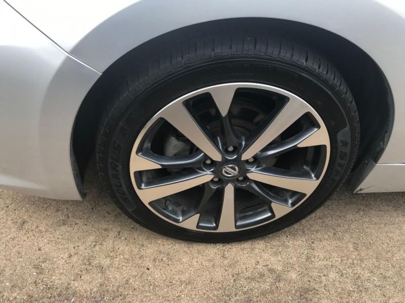 Nissan Altima 2016 price $19,900