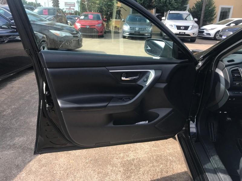 Nissan Altima 2017 price $19,900