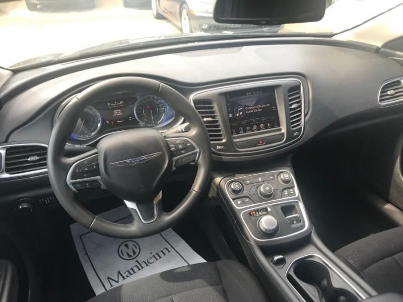 Chrysler 200 2015 price $17,900